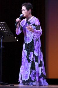 香川出身の作詞家が作詞した歌を歌います