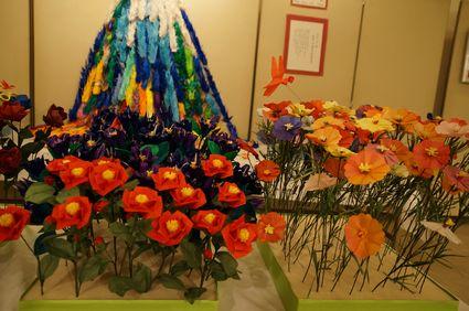 折り紙によるお花畑!色鮮やかですね