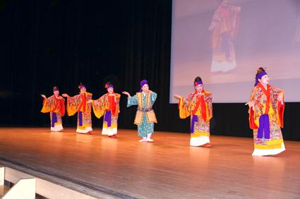 沖縄で継承されている琉球舞踊