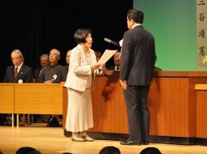 謝辞を送る前大村市老連副会長の田原さん