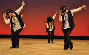 キレキレのダンスに拍手喝采
