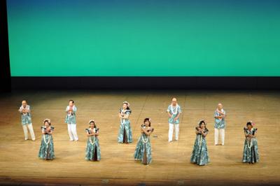めじろ台第二むつみ会フラダンス部「バリバリの浜辺で~南国の夜」(八王子市 )