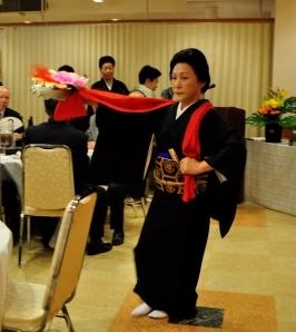 アトラクションで新春の舞が披露されました